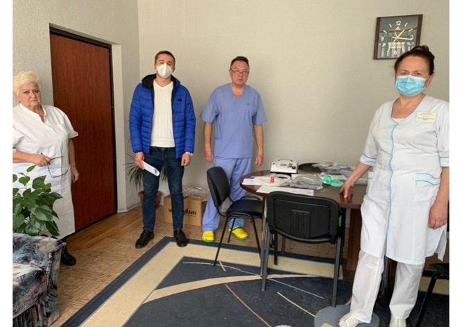 Передача апаратів ШВЛ українським лікарням